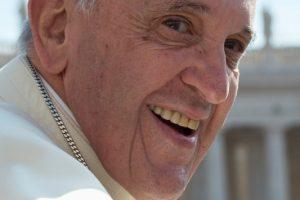 Papa-Francisco solo