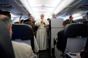 Avión-Armenia-Papa