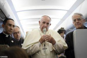 Papa-Francisco-avión