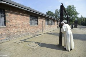 Auschwitz y Birkenau-Papa-Francisco