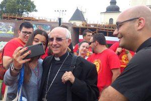 obispo-Ávila-JMJ-jóvenes