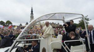 SS. Papa Francesco - Viaggio Polonia GMG-Arrivo Monastero Jasna Gora Preghiera Cappella Madonna Nera  28-07-2016  @Servizio Fotografico - L'Osservatore Romano