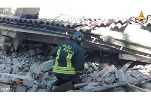 bomberos-Italia-terremoto