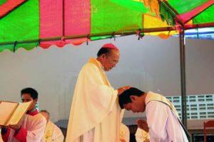 sacerdotes-laos