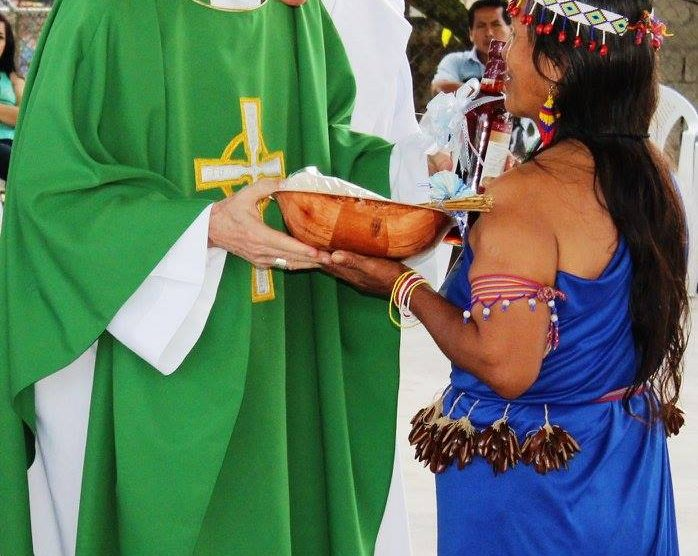 ecuador-misa-ofrendas