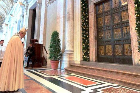 papa-francisco-puerta-santa