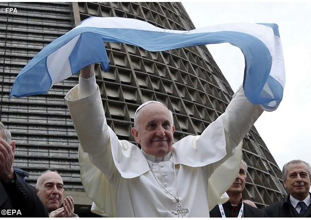 papa-francisco-bandera-argentina