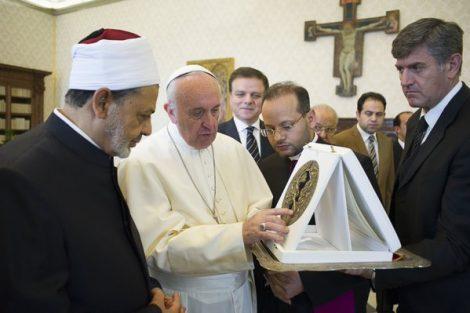 papa-francisco-y-gran-iman-de-al-azhar