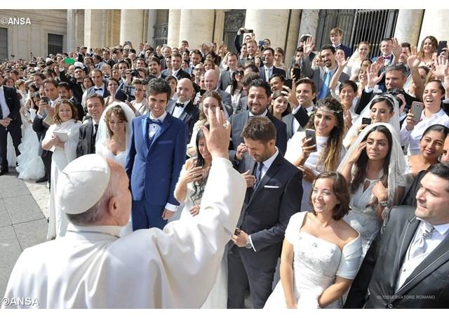 Matrimonio Romano El Rincon Del Vago : El papa sínodo jóvenes familia amoris laetitia