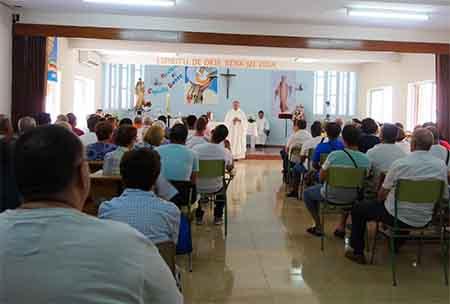 Image result for capilla cárcel españa misa