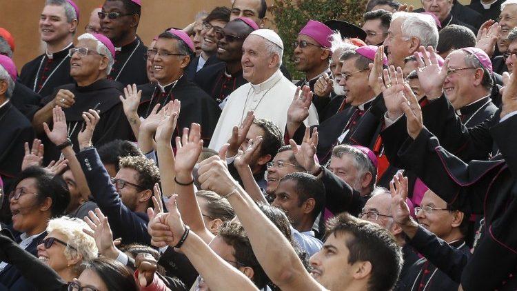 Resultado de imagen de sinodo jovenes papa francisco
