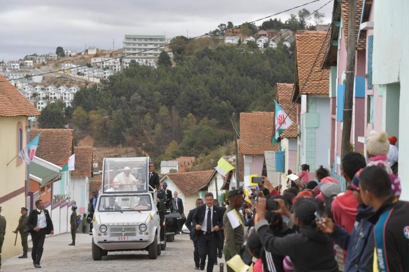 El Papa en Akemasoa, la ciudad de la amistad