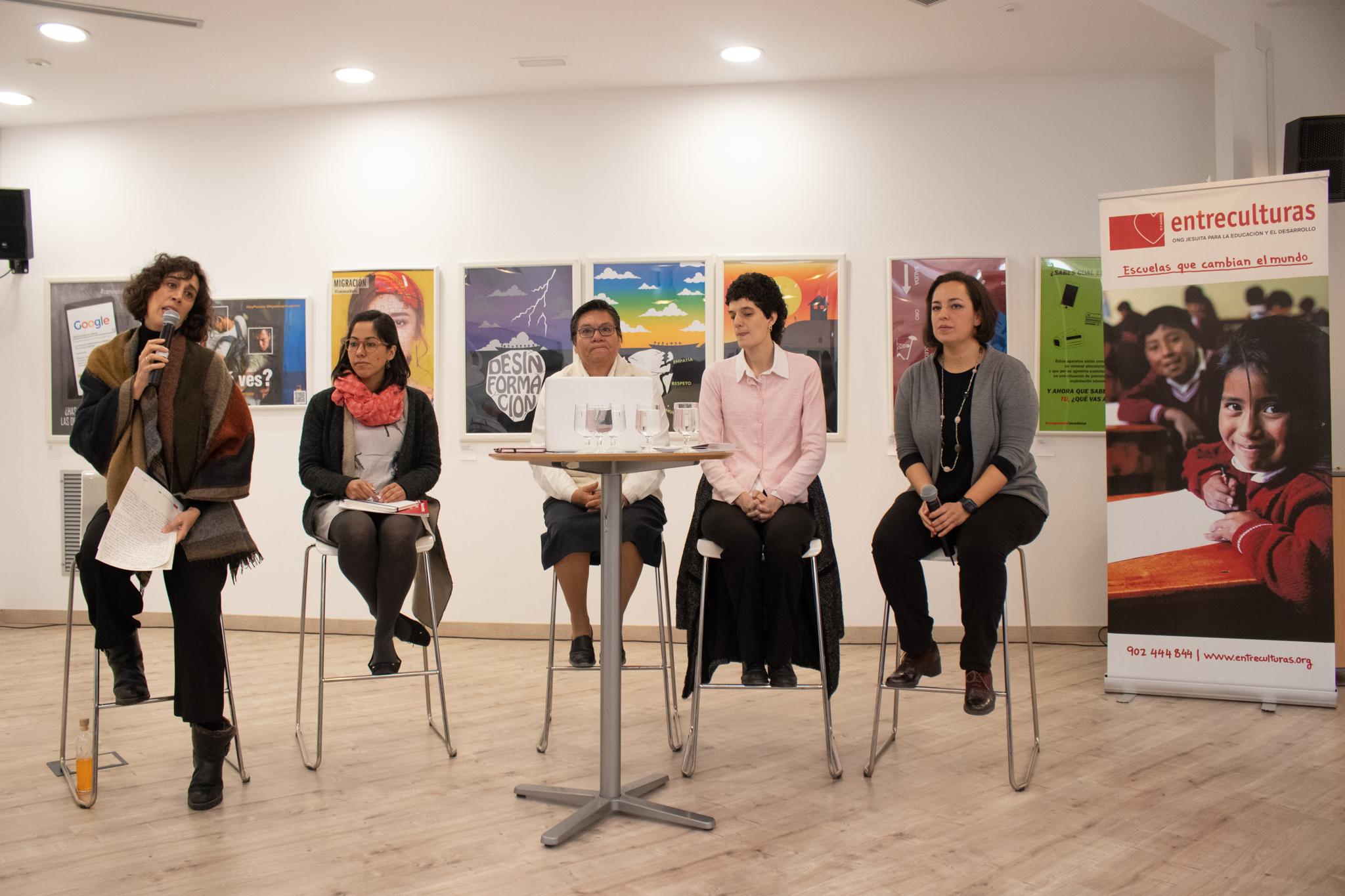 De izquierda a derecha: Irene Ortega, Elisabeth Figueroa, Magdalena Silva, María Vieyra, y Juanita Bagés