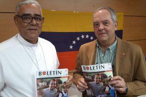 Mons. Juan Carlos Bravo, obispo de Acarigua-Araure, y Javier Menéndez Ros, director de ACN España.