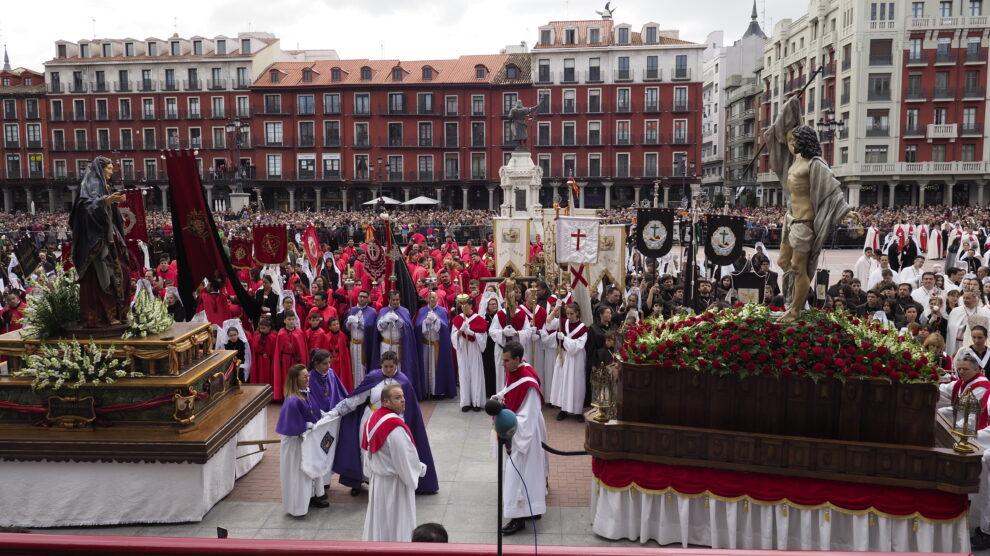 Procesión del Encuentro de Jesús Resucitado con la Virgen de la Alegría, en la archidiócesis de Valladolid en el año 2019.