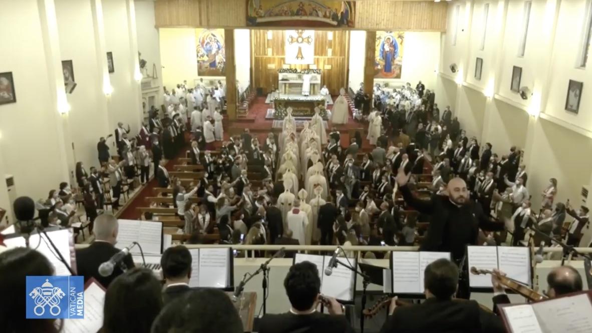 Francisco, en su primera misa en Irak: «Ni la huida ni la violencia resuelven nada, solo el amor»