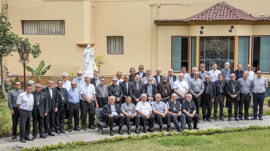Los obispos de Perú, ante las elecciones: «De esta crisis o salimos juntos o no salimos»