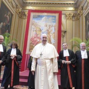El Papa insta a intensificar la cooperación en la lucha contra los delitos financieros