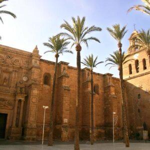 El nuncio Bernardito Auza visita Almería