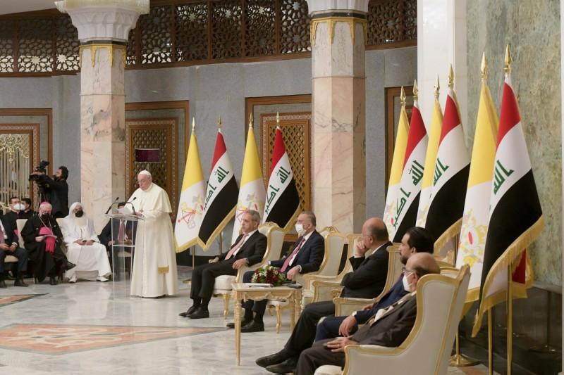 Francisco, a las autoridades de Irak: «Que callen las armas, no más violencia, extremismos, facciones e intolerancias»