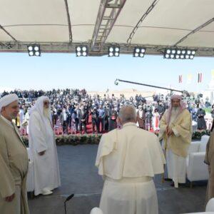 El Papa, en el encuentro interreligioso de Ur: «Los creyentes no podemos callar cuando el terrorismo abusa de la religión»