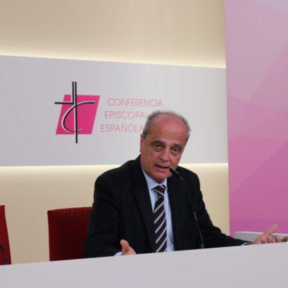 Javier Cortés pide que se constituya un grupo bien formado de profesores laicos, no exclusivos de Religión