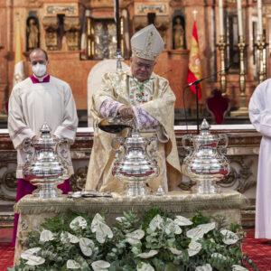Demetrio Fernández (Córdoba): «El Santo Crisma es vehículo del Espíritu Santo»