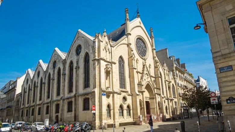 La archidiócesis de París abre proceso canónico a un párroco que no hizo cumplir las medidas sanitarias
