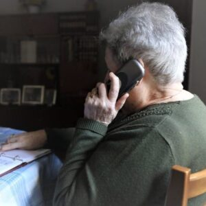 El proyecto con mayores de Cáritas diocesana de Coria-Cáceres atiende a un centenar de personas
