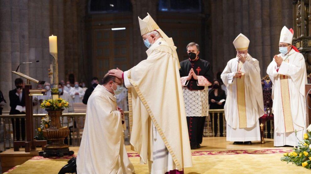 Prieto Fernández en su ordenación como obispo auxiliar de Santiago: «He sido llamado a servir y acompañar»