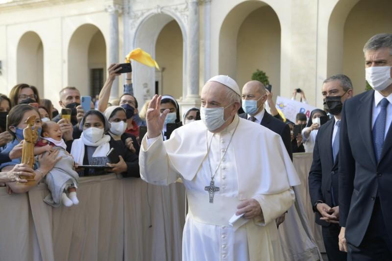 El Papa, en la audiencia general: «La oración no es una varita mágica»