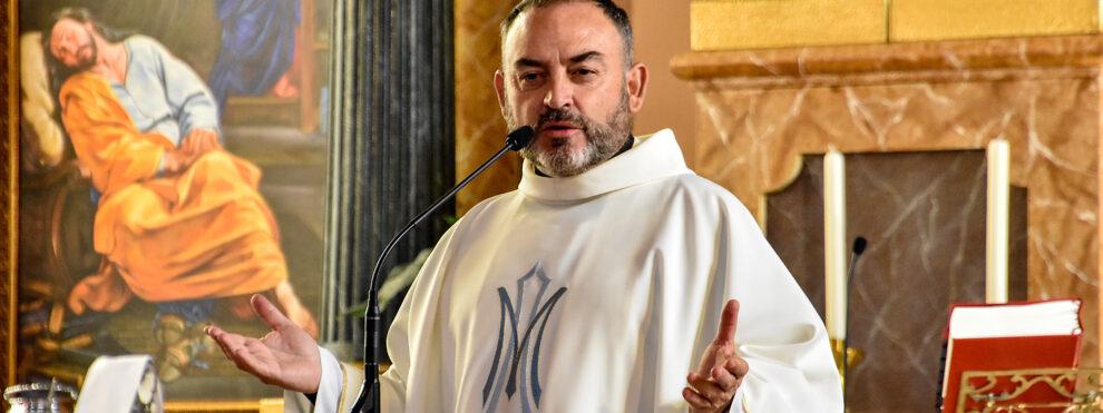 Jesús Sánchez Adalid, sacerdote y escritor: «Si hubiera tenido que elegir, por encima de todo, mi vocación de cura»
