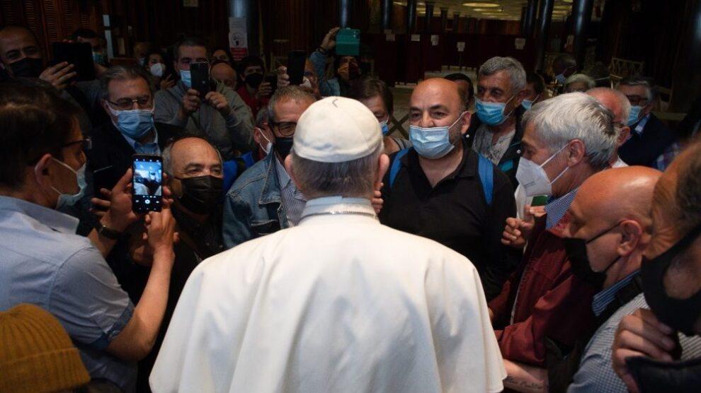 El encuentro del Papa Francisco con personas sin hogar y refugiados