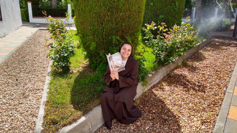 REPORTAJE ECCLESIA: «Ser monja de clausura supone entregar, cada día, la vida por amor»