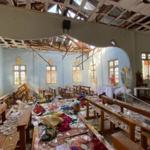 Myanmar: Cuatro muertos en el bombardeo de una iglesia por el ejército