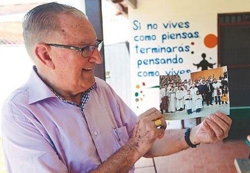 Promueven la candidatura de Nicolás Castellanos a Nobel de la Paz