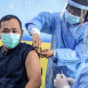 Las religiones y la ONU piden una distribución equitativa de las vacunas