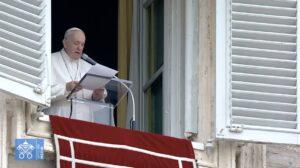 Ángelus: El Papa pide corredores humanitarios en Myanmar y que se respeten iglesias, escuelas y pagodas