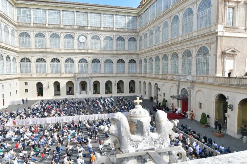 El Papa Francisco recomienda en la Audiencia General que el trabajo no quite tiempo a los momentos de oración