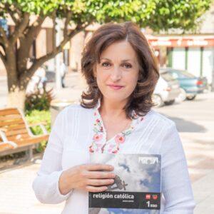 Carmen Jiménez, profesora de Religión: «No solo se trata de trasmitir conocimientos, sino también de acompañarles en su crecimiento»