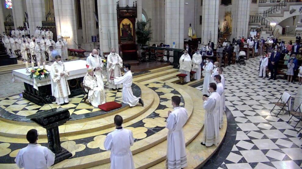 Monseñor Osoro, a los nuevos diáconos: «Servid a los hombres como sirvió Jesús»