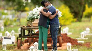 Brasil: La Iglesia católica honra este sábado al medio millón de víctimas de la covid-19